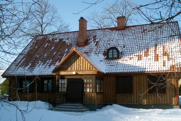 Biržiškų šeimos namas, kuriame įsikūrusi biblioteka ir M.V.V. Biržiškų ekspozicija